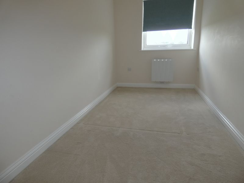 2 bed flat to rent in Eagle Way  - Property Image 8