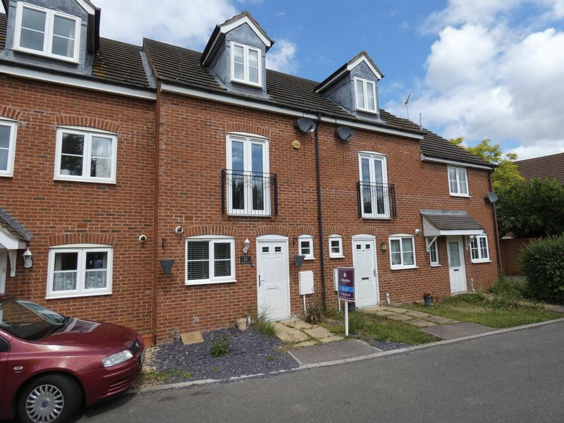 3 bed house to rent in Redshank Way 1