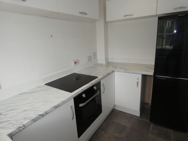 3 bed house to rent in Redshank Way 3