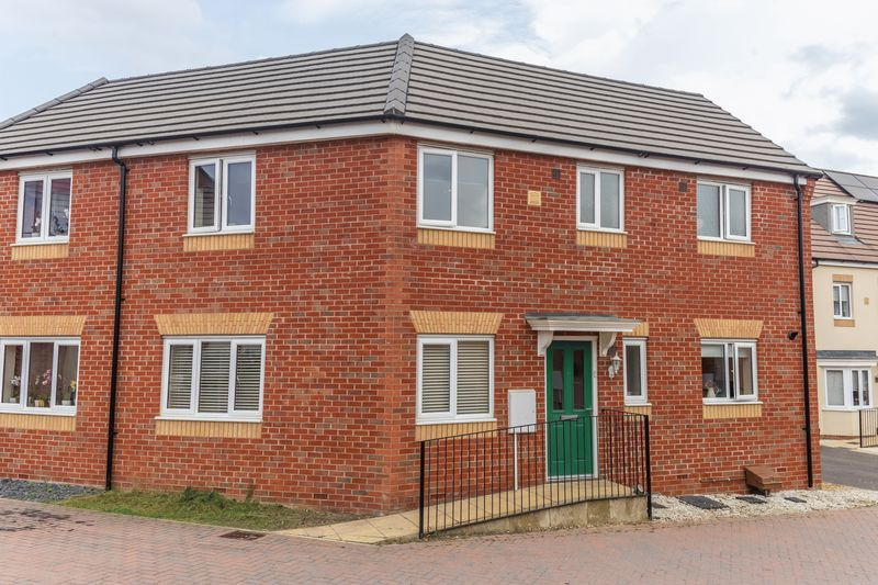 3 bed house to rent in Hercules Way 2