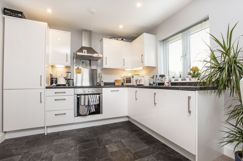 2 bed flat for sale in Eye Road  - Property Image 3