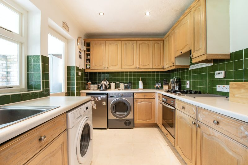 4 bed bungalow for sale in New Meadow Drove  - Property Image 6