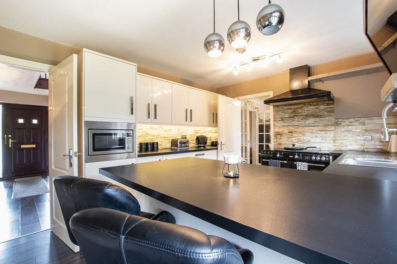 5 bed house for sale in Barkston Drive