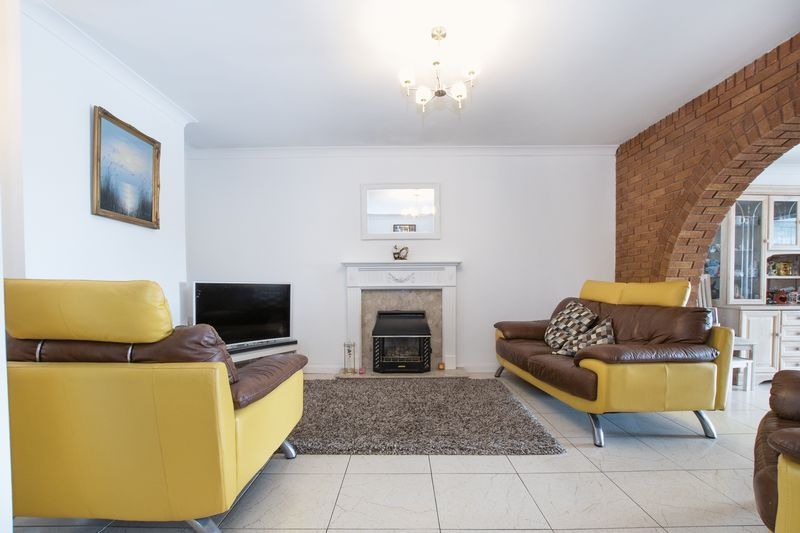 5 bed house for sale in Peterborough Road  - Property Image 8