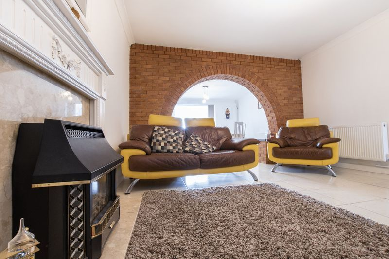 5 bed house for sale in Peterborough Road  - Property Image 9