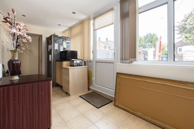 3 bed  for sale in Highfield Walk  - Property Image 3
