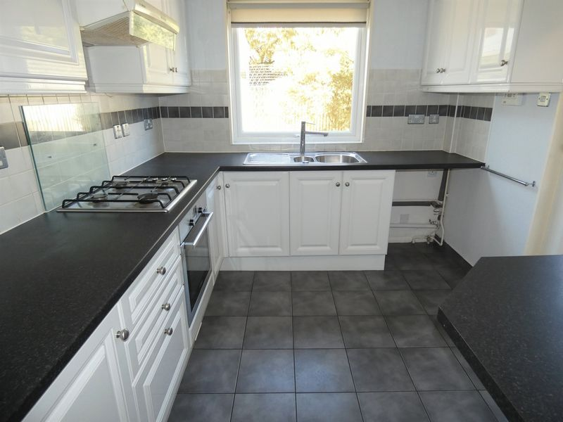 3 bed house to rent in Langford Road  - Property Image 3