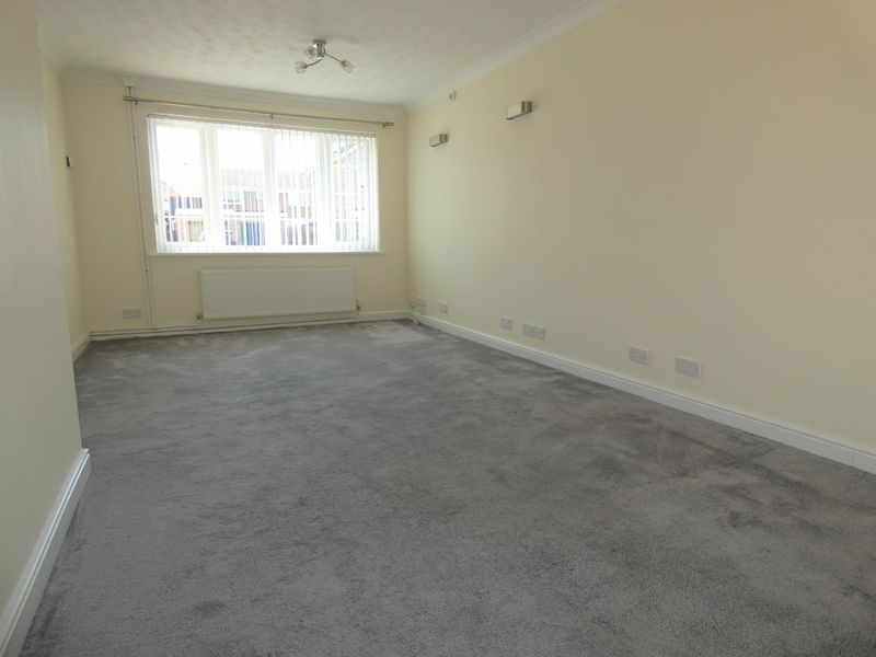 3 bed house to rent in Langford Road 4