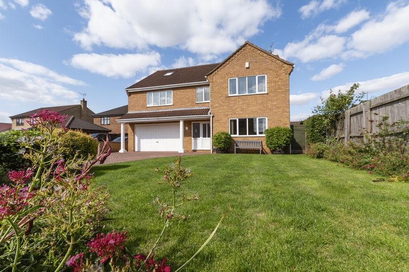 6 bed house for sale in Nursery Gardens  - Property Image 2
