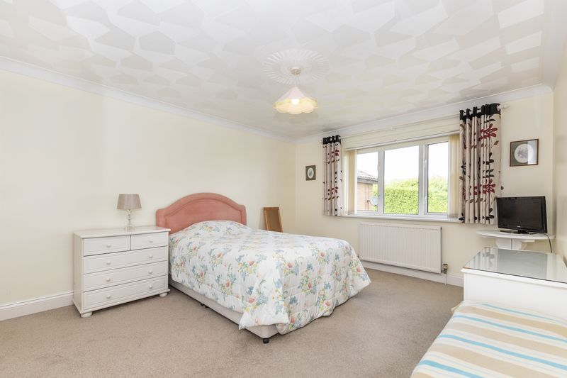 6 bed house for sale in Nursery Gardens 11