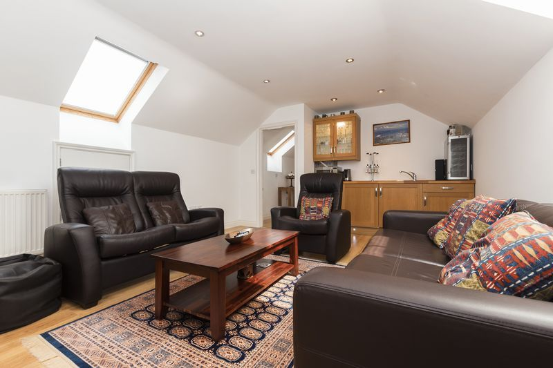 6 bed house for sale in Nursery Gardens  - Property Image 14
