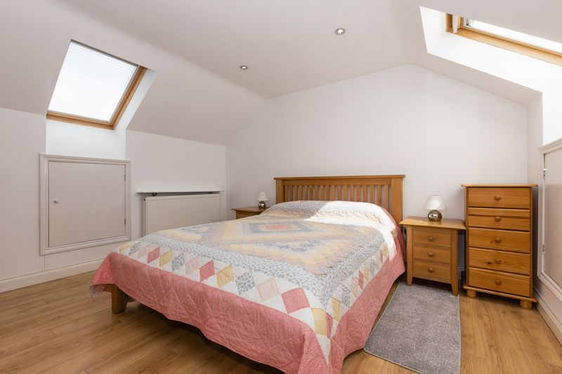 6 bed house for sale in Nursery Gardens  - Property Image 16