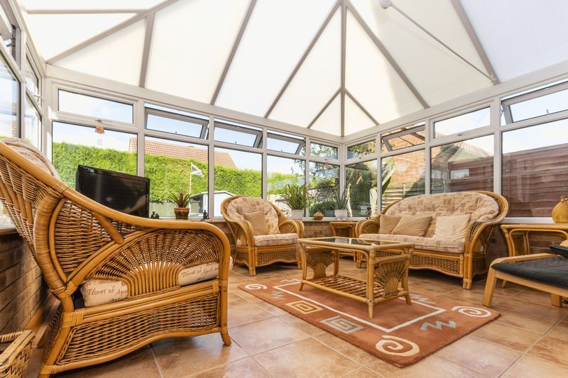6 bed house for sale in Nursery Gardens  - Property Image 6
