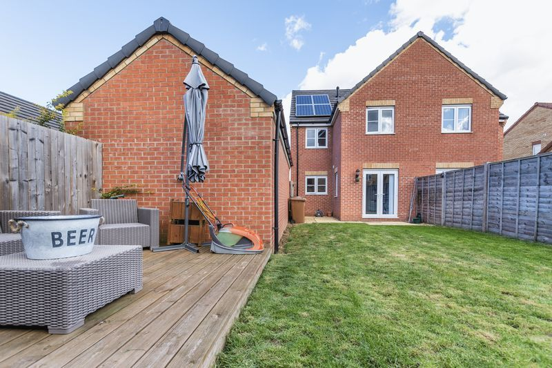 3 bed house for sale in Sandleford Drive  - Property Image 2
