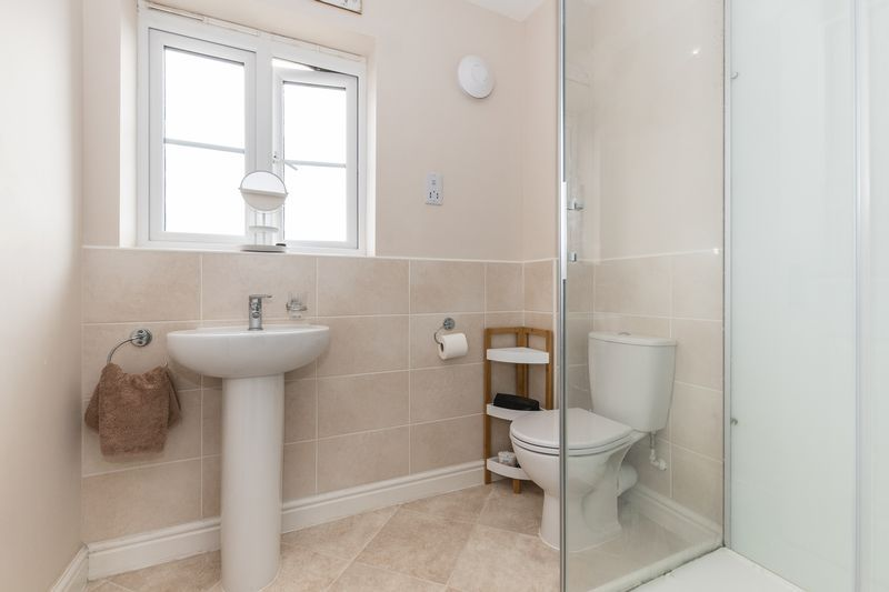 3 bed house for sale in Sandleford Drive 13