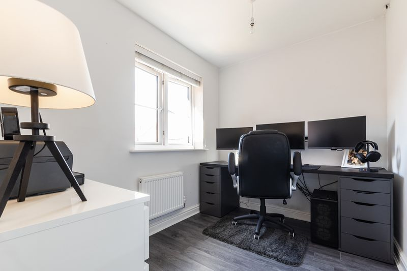 3 bed house for sale in Sandleford Drive 16