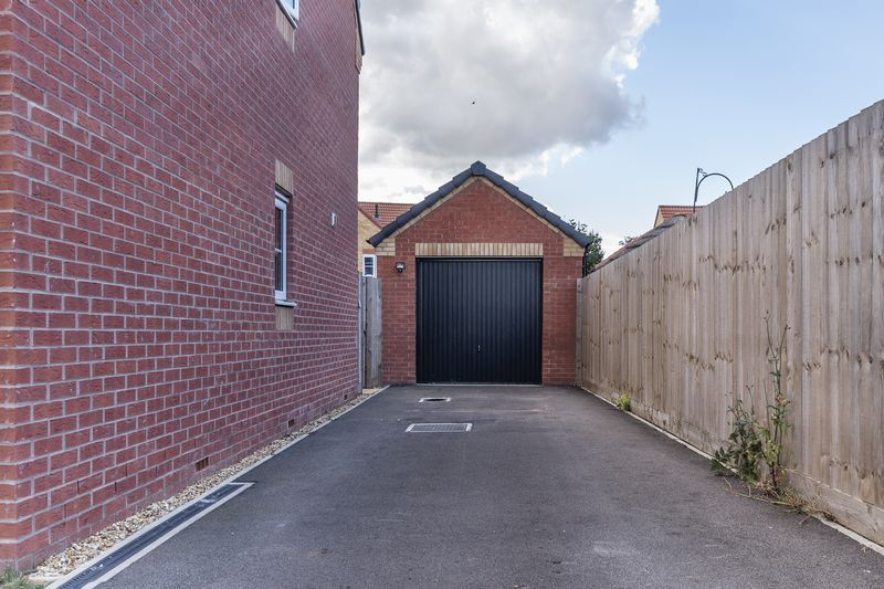 3 bed house for sale in Sandleford Drive 19