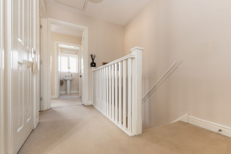 3 bed house for sale in Sandleford Drive 10