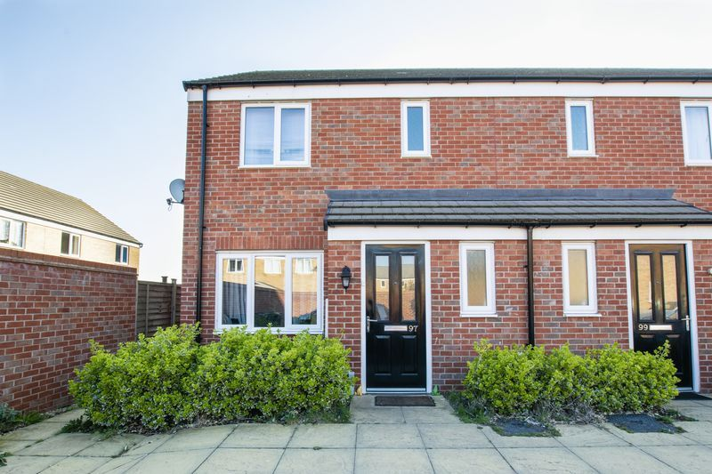 3 bed house to rent in Saxonbury Way 1