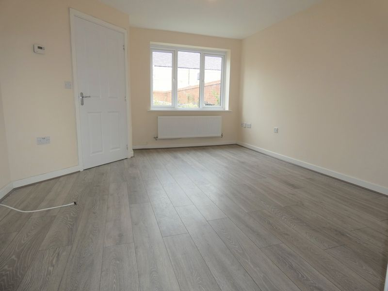 3 bed house to rent in Saxonbury Way  - Property Image 5