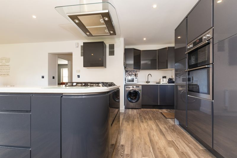 5 bed house for sale in Vokes Street  - Property Image 5
