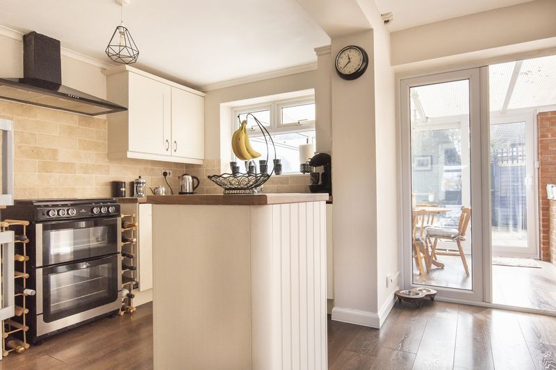 2 bed house for sale in Stonald Road  - Property Image 6