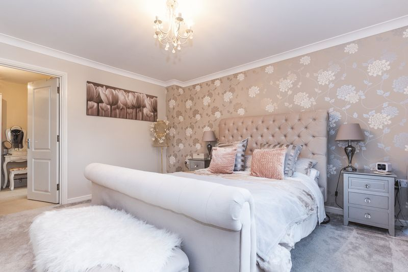 6 bed house for sale in Shackleton Way 12