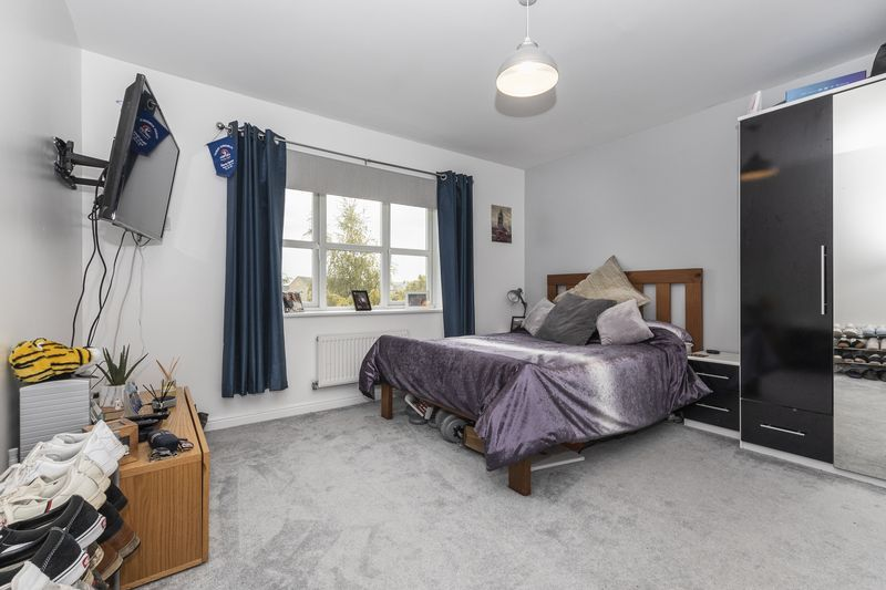 6 bed house for sale in Shackleton Way 17