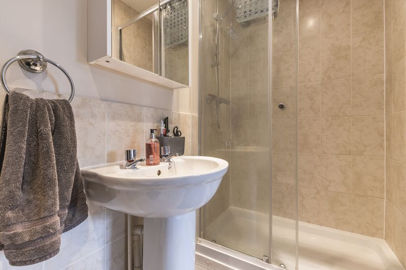 6 bed house for sale in Shackleton Way  - Property Image 18