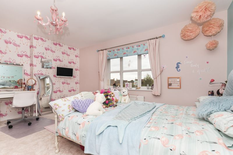 6 bed house for sale in Shackleton Way 19