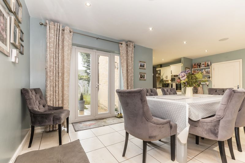 6 bed house for sale in Shackleton Way  - Property Image 5