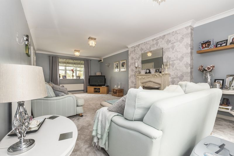 6 bed house for sale in Shackleton Way 10