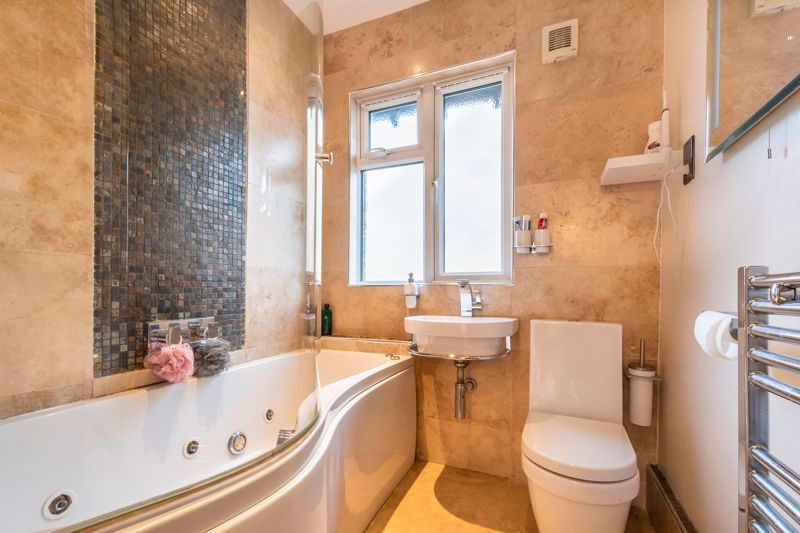 3 bed house for sale in Gordon Avenue 13