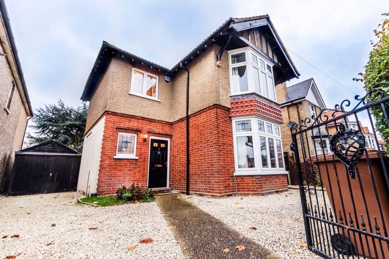 3 bed house for sale in Gordon Avenue 3