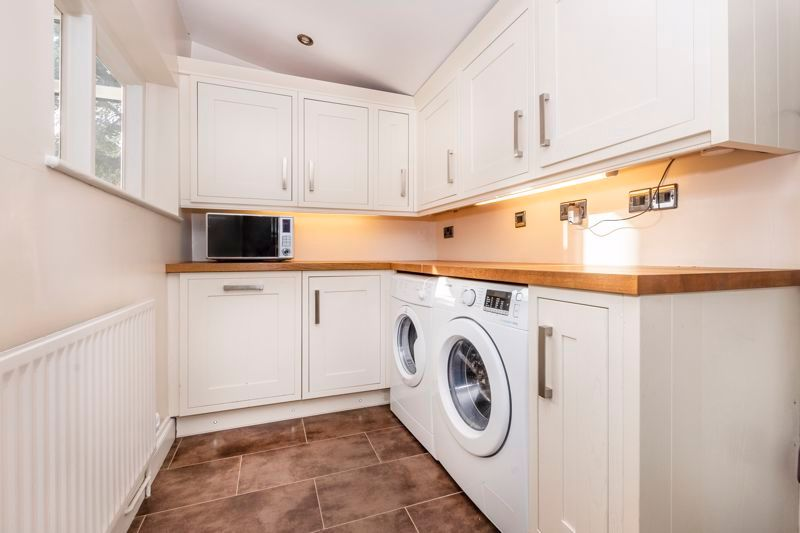 3 bed house for sale in Gordon Avenue 8