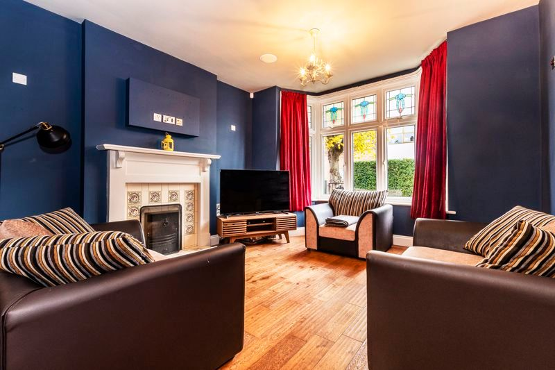 3 bed house for sale in Gordon Avenue 10
