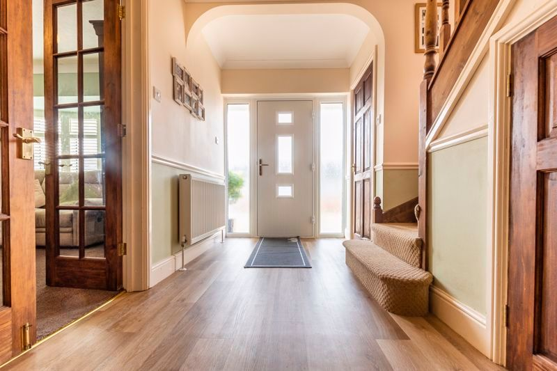 3 bed  for sale in Topham Crescent 2