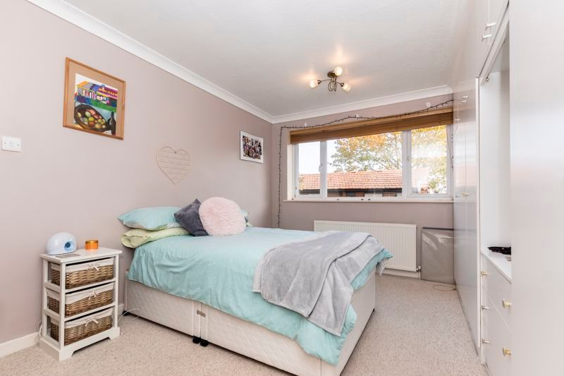 3 bed  for sale in Topham Crescent  - Property Image 8