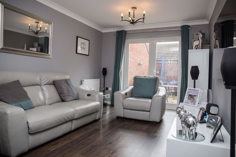 4 bed house for sale in Turnpike Road 3