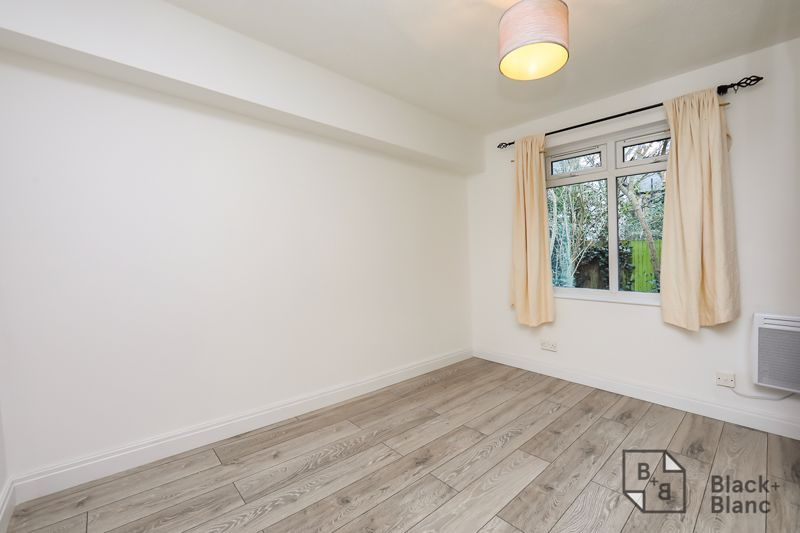1 bed flat to rent in Milford Mews 2
