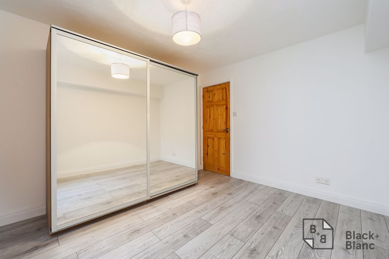 1 bed flat to rent in Milford Mews 3