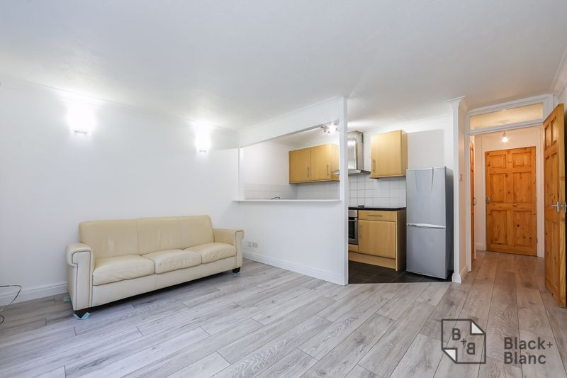 1 bed flat to rent in Milford Mews 6
