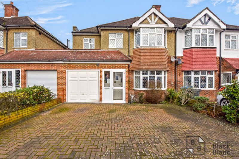 5 bed house for sale in Links View Road  - Property Image 1