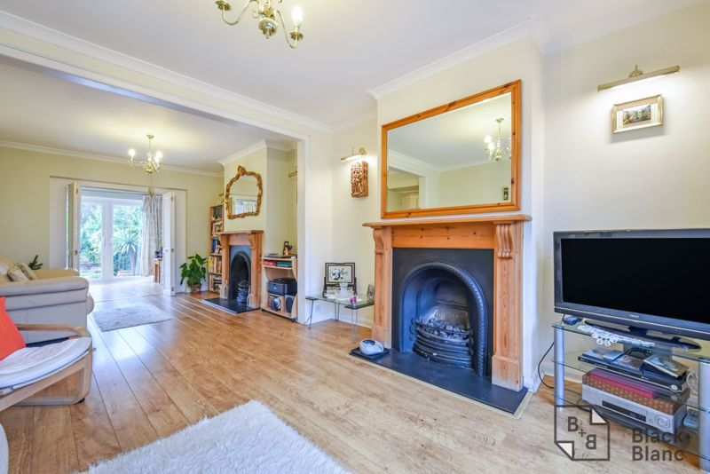 5 bed house for sale in Links View Road  - Property Image 2