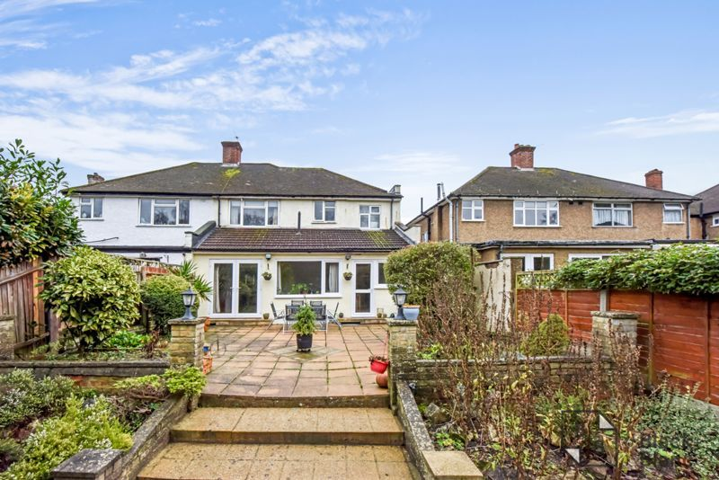 5 bed house for sale in Links View Road 12