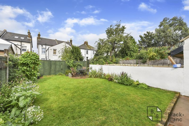 2 bed flat to rent in Arundel Road  - Property Image 7