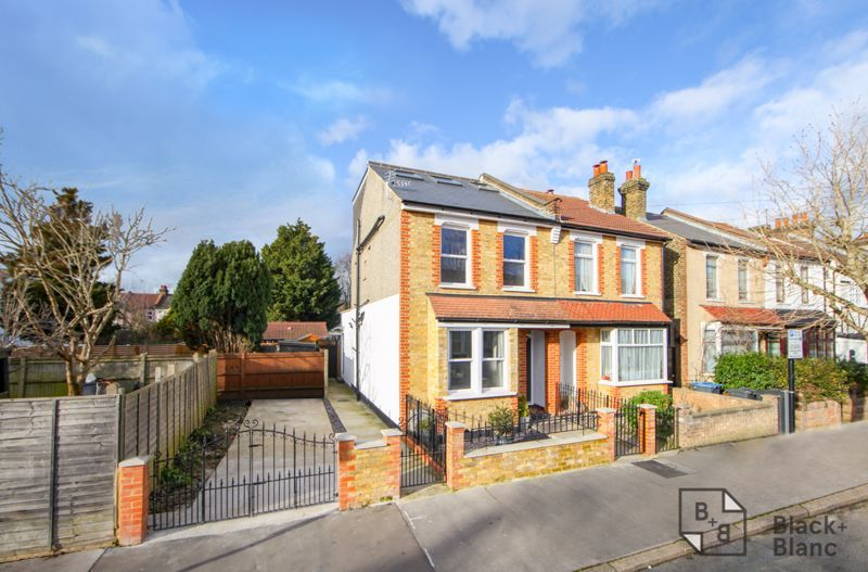 4 bed house for sale in Edward Road - Property Image 1