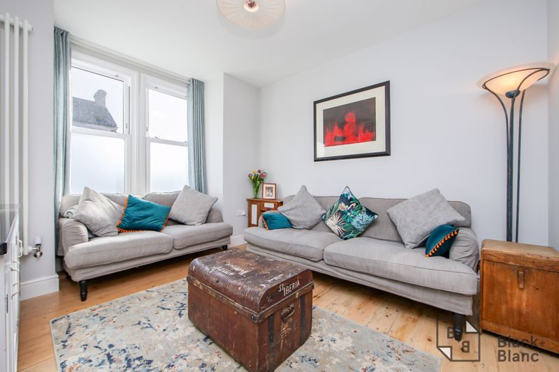 4 bed house for sale in Edward Road  - Property Image 2