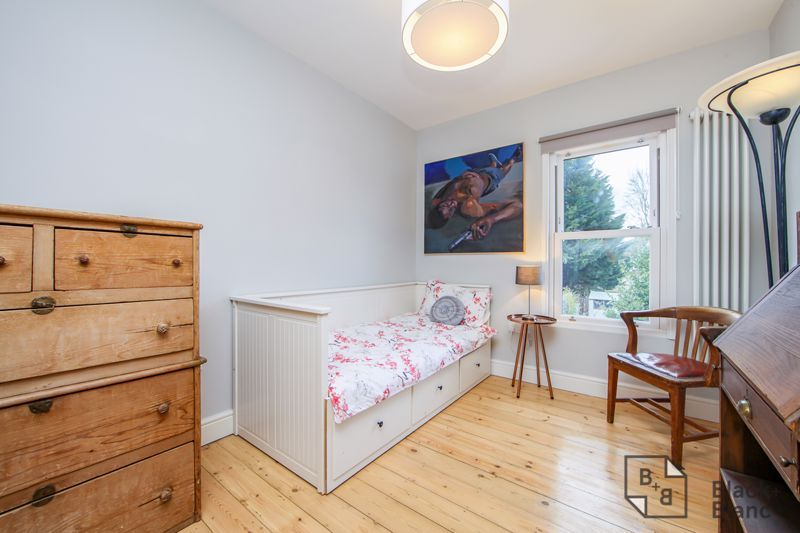 4 bed house for sale in Edward Road  - Property Image 11