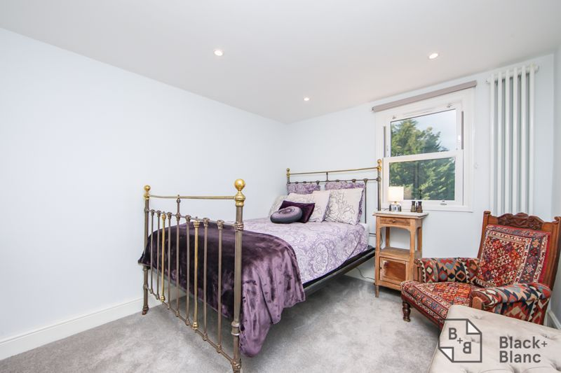 4 bed house for sale in Edward Road  - Property Image 13